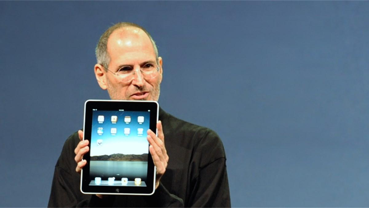 Ehemalige Apple-Mitarbeiterin wütet gegen Steve Jobs   News ...