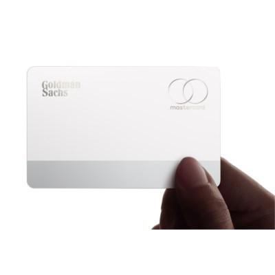 Kurz notiert: Erste Fotos der Apple Card, Apple Pay in weiteren Ländern, iPhone als Waffenersatz